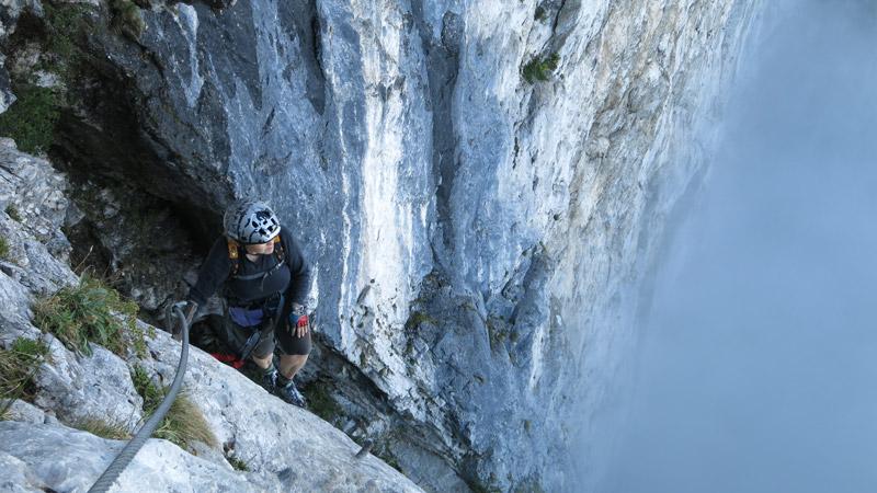 Klettersteig Attersee : Klettertour attersee klettersteig mahdlgupf d weißenbach